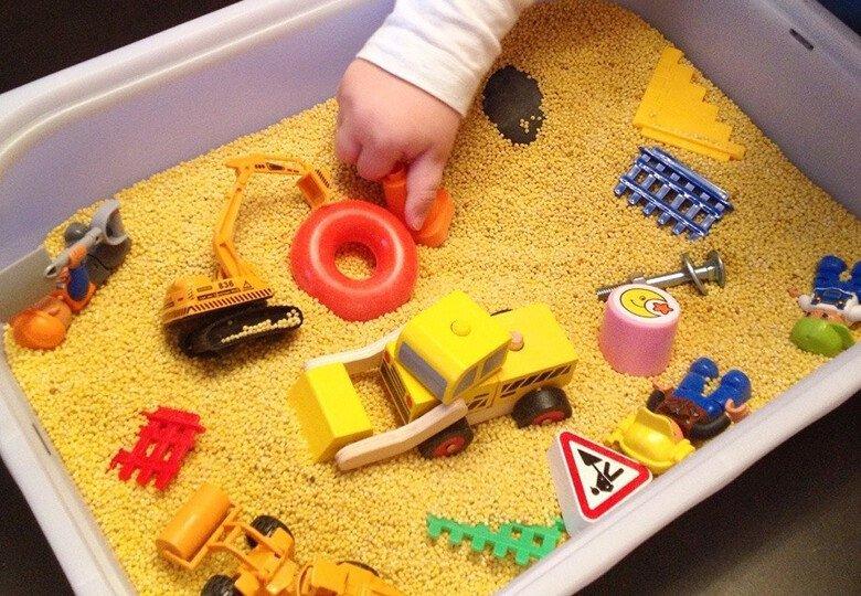 Сенсорная коробка для детей