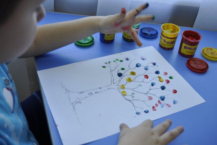 Рисование пальчиками дерево