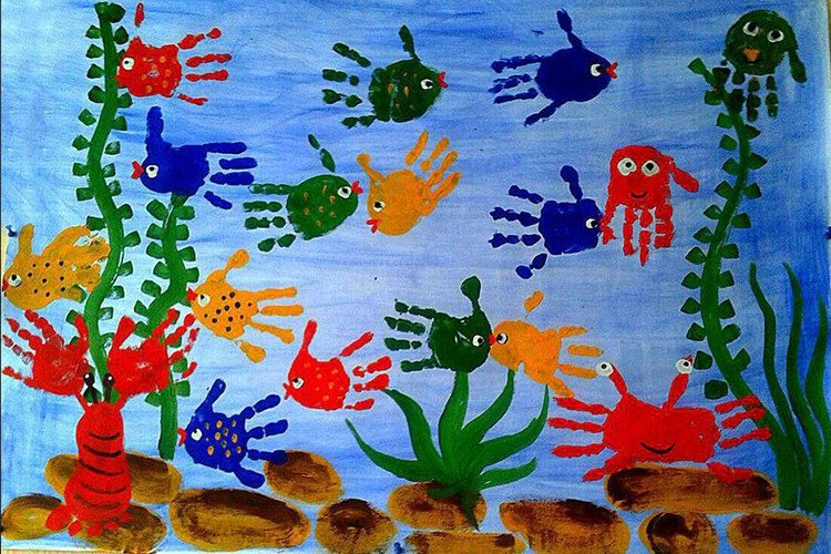 Рисование пальчиками морское дно с рыбками
