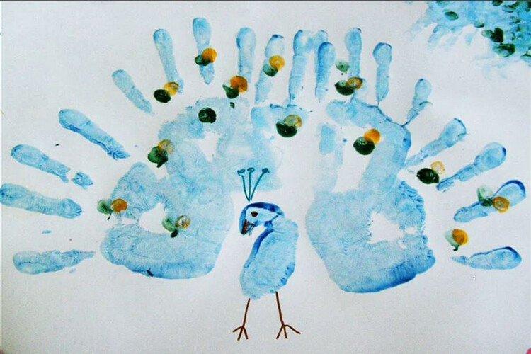 Рисование пальчиками синий павлин