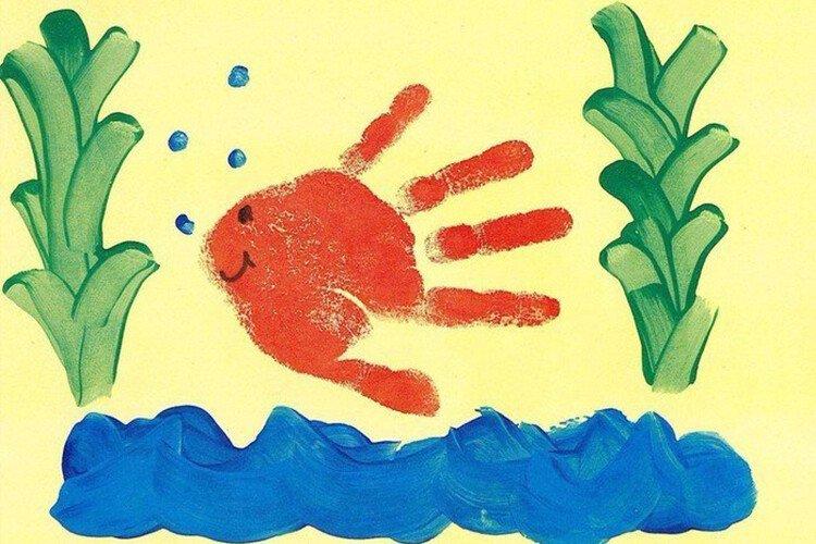 Рисование пальчиками рыбка