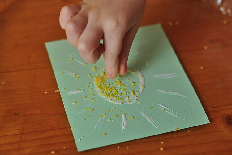 Поделка солнышко из крупы