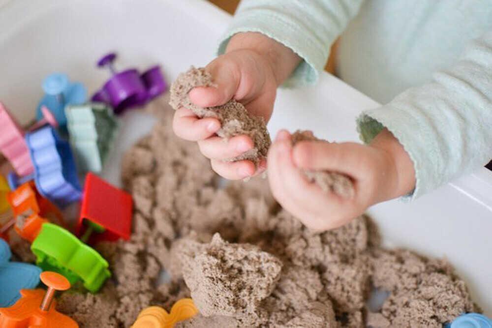 Подарок для ребёнка: кинетический песок