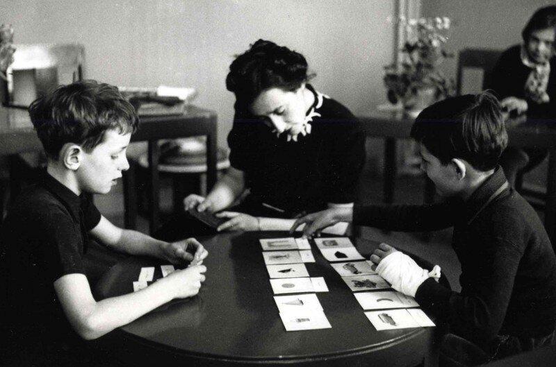 Обучение детей в школе Монтессори