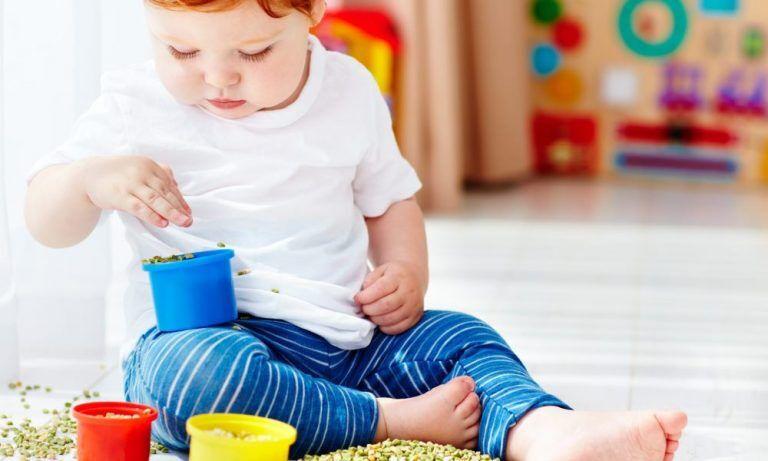 Игры с сыпучими материалами для детей 1-2 лет