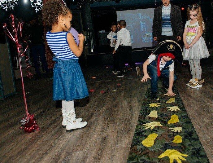 Пиратская эстафета на детской вечеринке