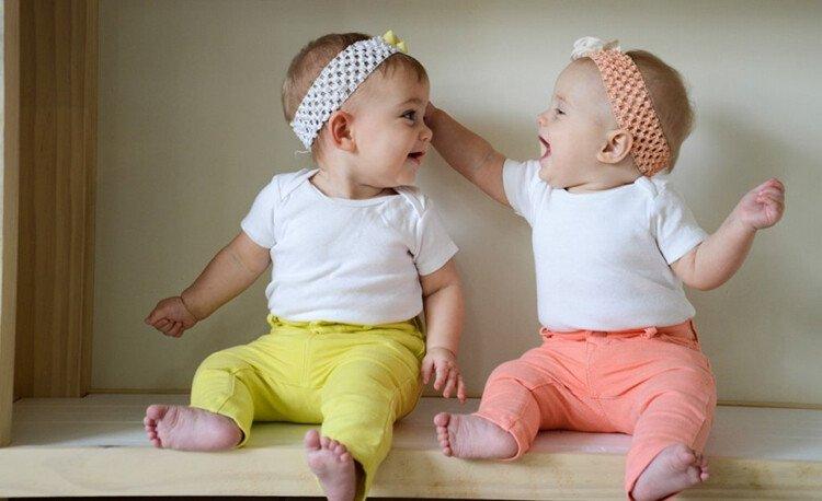 Развитие индивидуальности близнецов и двойняшек